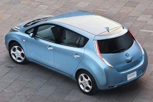 Der Leaf soll 30.000 Euro kosten (Bild: Nissan)