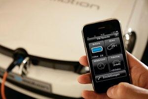 Für volle Batterie und Wärme im Innenraum: Per App lässt sich der Elektro-Golf programmieren, auch aus der Ferne