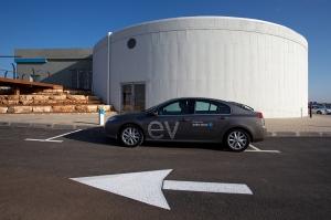 Auf dem Weg zu einer Akku-Wechselstation von Better Place in Israel: Renault Fluence EV