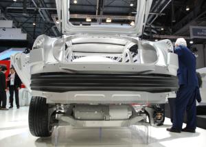 Der leistungsstarke E-Motor treibt die Hinterräder an (Foto: Rudschies)