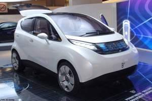Das meistverkaufte E-Auto in Frankreich ist übrigens das Blue Car von Hersteller Bolloré