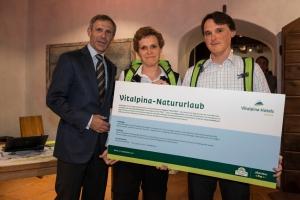 Vivian Reiter (l.) und Thomas Fuchß (r.) gewinnen die erste ADAC eRallye Südtirol 2012.