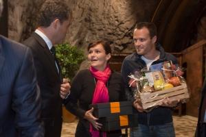 Etappensieger: Verena Brauchle (M.) und Thomas Pulter nahmen von ADAC Verlagsleiter Carsten Hübner (l.) ihre Preise in Empfang.