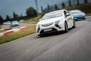 Vier Hersteller, darunter Opel mit dem Ampera, sind bei der eRallye am Start.