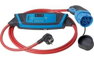 Kabelverbindung für zu Hause: Typ 2-Stecker auf der Fahrzeugseite, Schukostecker für die Dose in der Garage. (Foto: Mennekes)