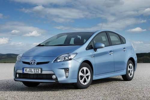 Soll bald weiter kommen als bisher: Der Hybrid Toyota Prius Plug-in.