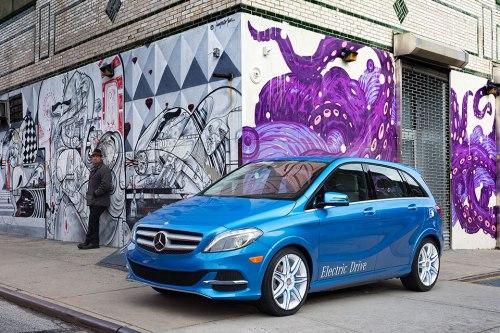 Die neue, elektrisch betriebene B-Klasse von Mercedes feierte ihr Debut auf der Autoshow in New York.