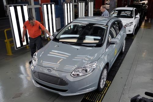 Der erste Ford Focus electric läuft vom Band