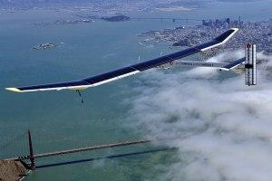 """Sieht aus wie ein gleitender Bumerang: Die """"Solar Impulse"""", angetrieben mit reiner Solarenergie."""
