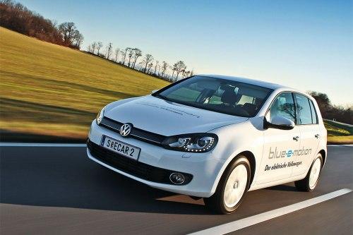 Damit der Golf tatsächlich die versprochene Reichweite von 190 Kilometern erreicht, sollte der Fahrer entweder den Sparmodus Eco oder Eco+ benutzen.