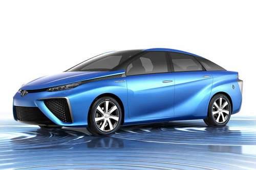 Umweltbewusst unterwegs im ozeanblauen Brennstoffzellenfahrzeug: 2015 soll das schon möglich sein.