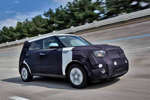Laut Hersteller 2014 serienreif, jetzt aber noch mit Tarnanzug: der Kia Soul EV.