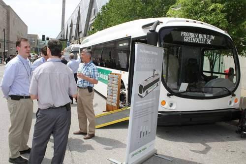 """""""Proterra Solution"""": Ein elektrischer Bus für den öffentlichen Nahverkehr."""