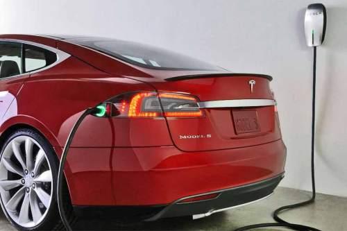1407_Tesla_Patente_960x640