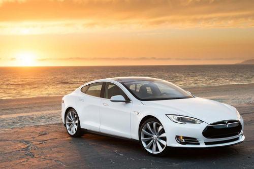 Tesla; Panasonic; Elektroauto;E-Auto