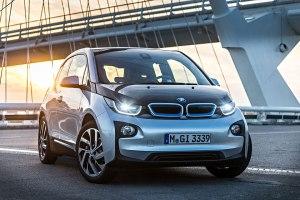 E-Autos wie der BMW i3 kosten derzeit deutlich über 30.000 Euro. Zum Vergleich: Manche solide deutsche Kleinwagen mit Verbrennungsmotor kosten unter 10.000 Euro.