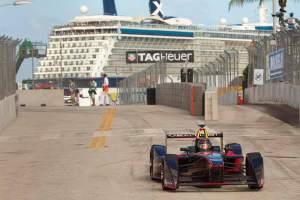 Diesmal war Nick Heidfeld (im Formel-E-Auto) zwar in keinen Unfall verwickelt, konnte aber nicht auf die vorderen Ränge fahren.