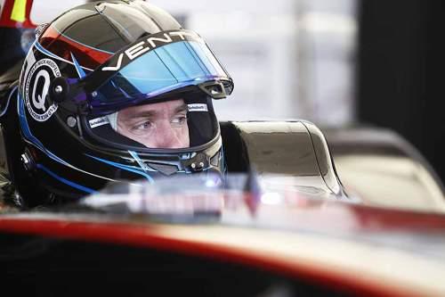 Nick Heidfeld in seinem Formel-E-Boliden in Moskau.