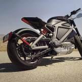 """Als Harley-Davidson kaum wiederzuerkennen: Die LiveWire birgt die Formen eines """"Streetfighters""""."""