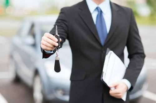 Attraktive Prämien könnten den Kauf von E-Autos ankurbeln.