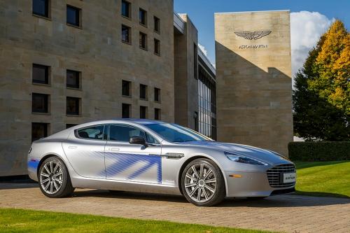 Die britische Williams Advanced Engineering baute den Elektroantrieb des Aston Martin RapidE.