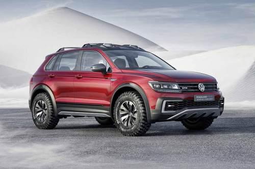 Hybrid-Studie mit Unterfahrschutz aus Aluminium und erhöhter Bodenfreiheit: VW Tiguan GTE Active Concept.