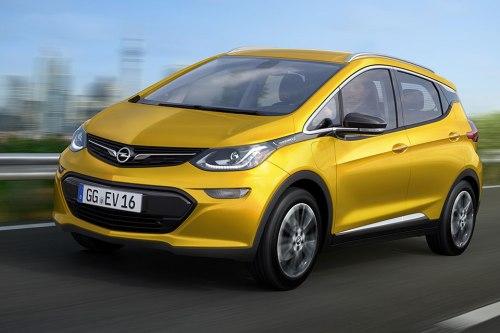 Logo-Tausch: In Deutschland wird der Blitz am Kühlergrill kleben. So sieht der Opel Amper-e aus.