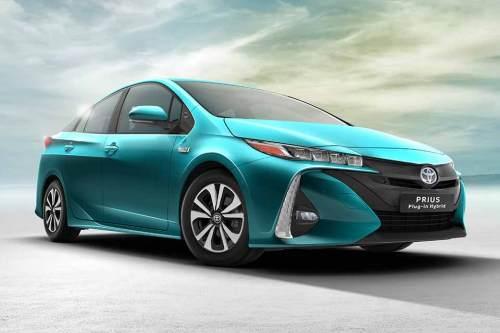 1603_Toyota_Prius_1_960x640