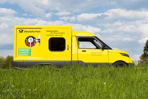 Wie ein surrender gelber Eiswagen: Die Deutsche Post setzt seinen elektrischen Streetscooter bereits in einigen deutschen Städten wie Bonn oder Aachen ein.
