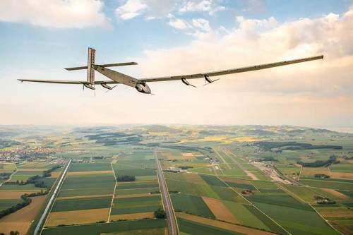 Aus Karbonfasern gebaut: Der Flieger hat eine Spannweite von 72 Metern .