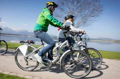 Ob E-Bike oder Pedelec, das Fahrrad mit Elektromotor liegt voll im Trend.