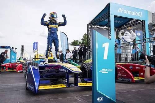 Leise, schnell, familienfreundlich. And the winner is: Formel E.